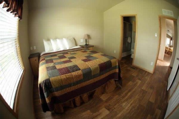 the-comal-750-sqft-2-bedroom-cottage-sleeps-eight-006