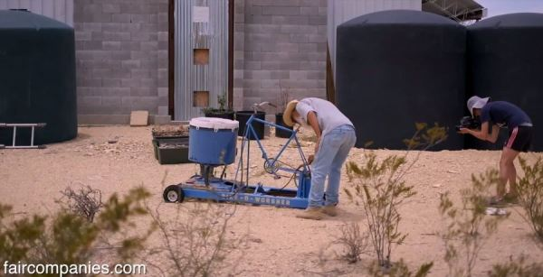 the-field-lab-128-sq-ft-tiny-house-by-john-wells-via-faircompanies-0016