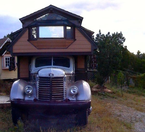 the-rose-1948-international-housetruck-for-sale-0001