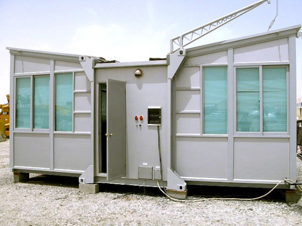 the-wing-house-shipping-container-home-01