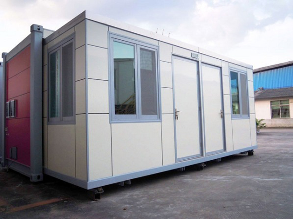 the-wing-house-shipping-container-home-02
