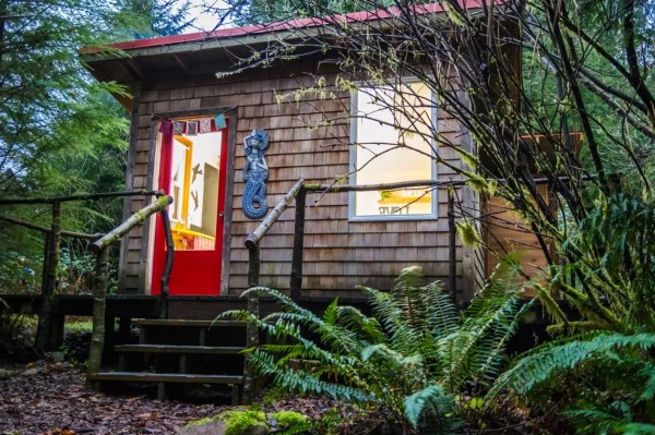 thimbleberry-creek-off-grid-micro-cabin-001