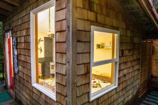 thimbleberry-creek-off-grid-micro-cabin-0010