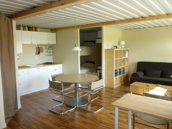 tin-can-cabin-shipping-container-tiny-house-006