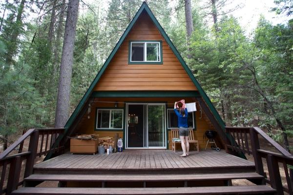 tiny-a-frame-cabin-in-the-woods-0015