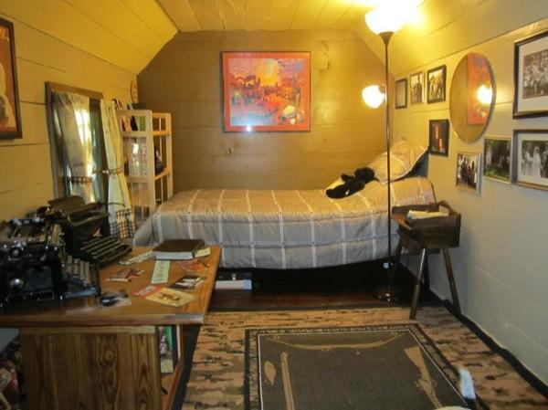 tiny-cabin-005