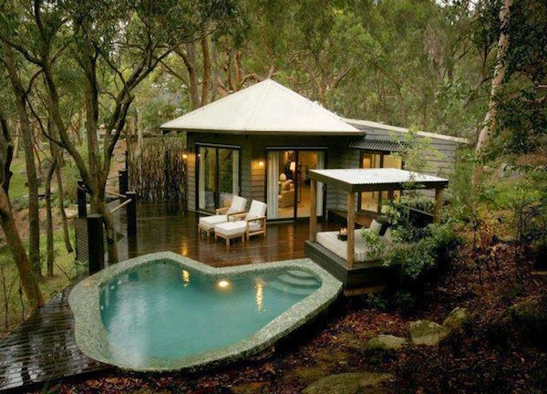 tiny-cabin-with-deck-and-poolside-cabana-001
