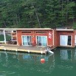 tiny-floating-cabin-fontana-lake-008