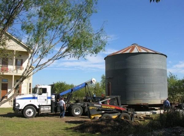 tiny-grain-silo-gruene-homstead-inn-003