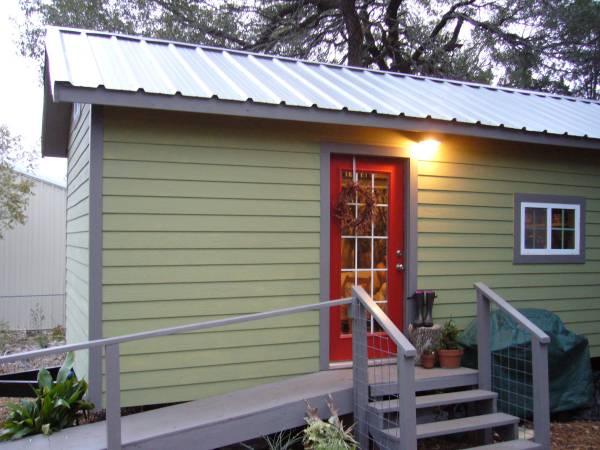 tiny-house-for-sale-near-austin-tx-001