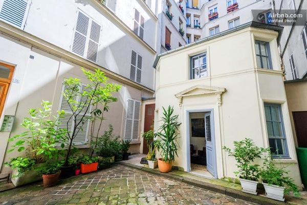 tiny-house-in-paris-01