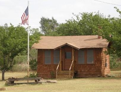 tiny-house-movement-in-spur-texas