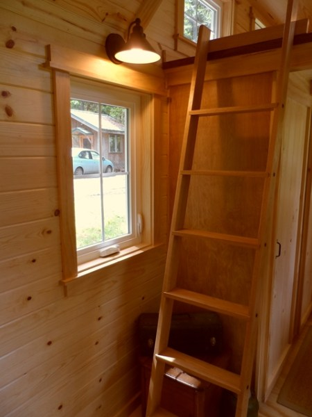 tiny-house-on-wheels-by-oregon-cottage-company-11