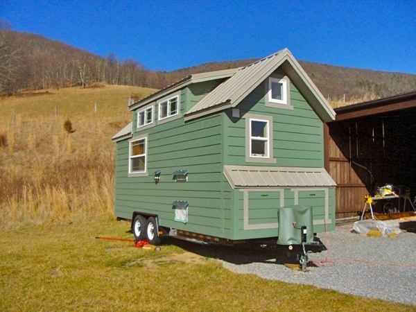 Sarah Myers Tiny House on Wheels Project (1)