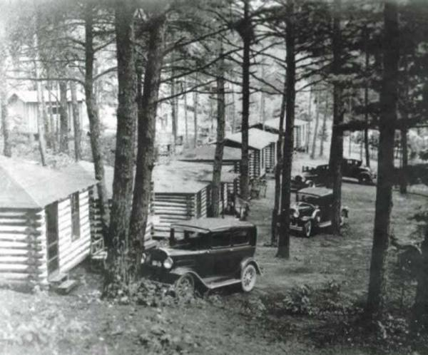tiny-logc-cabin-asheville-013