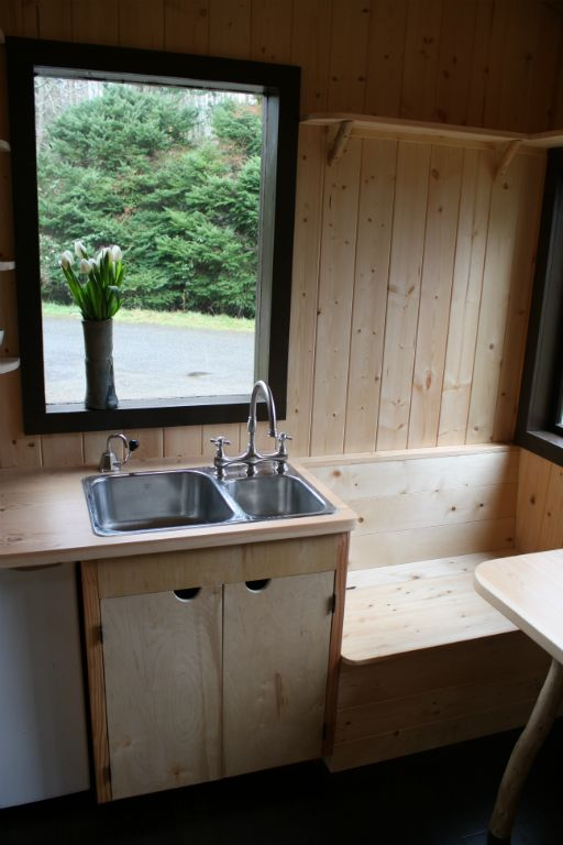 tonys-caravan-tiny-house-by-hornby-island-caravans-009