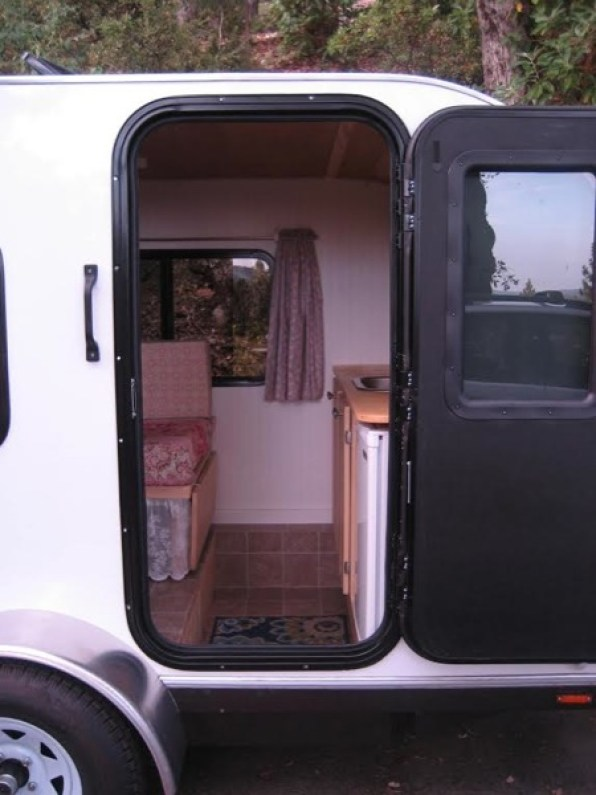 travel-trailer-002