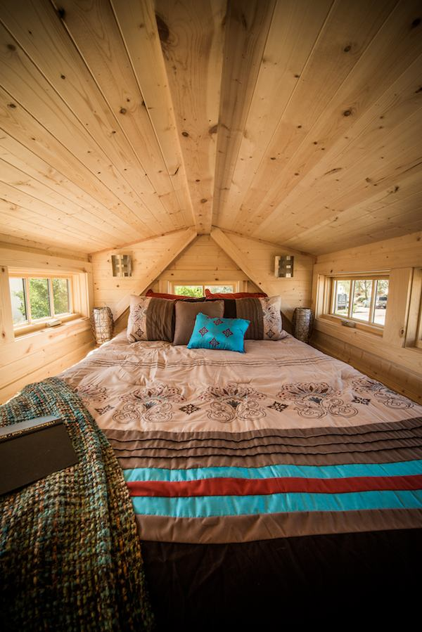 tumbleweed-elm-18-overlook-117-sq-ft-tiny-house-on-wheels-0021