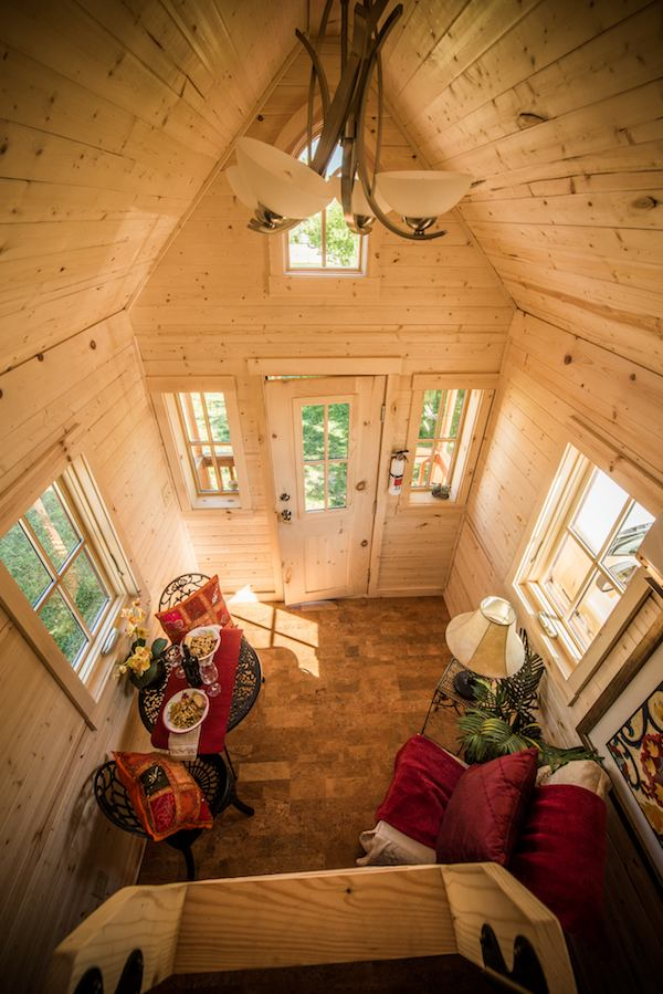 tumbleweed-elm-18-overlook-117-sq-ft-tiny-house-on-wheels-0022