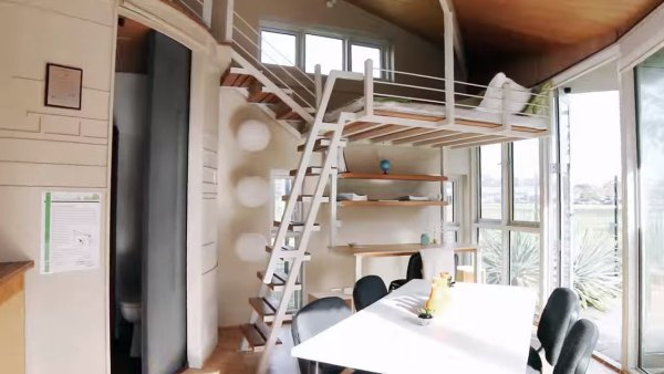 two-story-pop-up-tiny-house-003