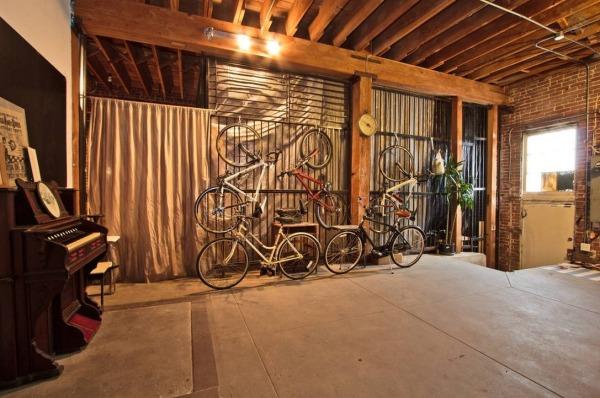 54 Alhoa 16 Travel Trailer Inside 6000 Sq Ft Warehouse