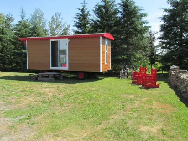 wwoof-gypsy-caravan-tiny-house-001