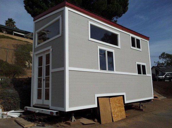 young-family-tiny-house-on-wheels-02