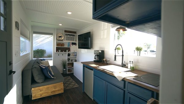 Tiny House Las Vegas >> 20ft Shipping Container Tiny House by Alternative Living ...
