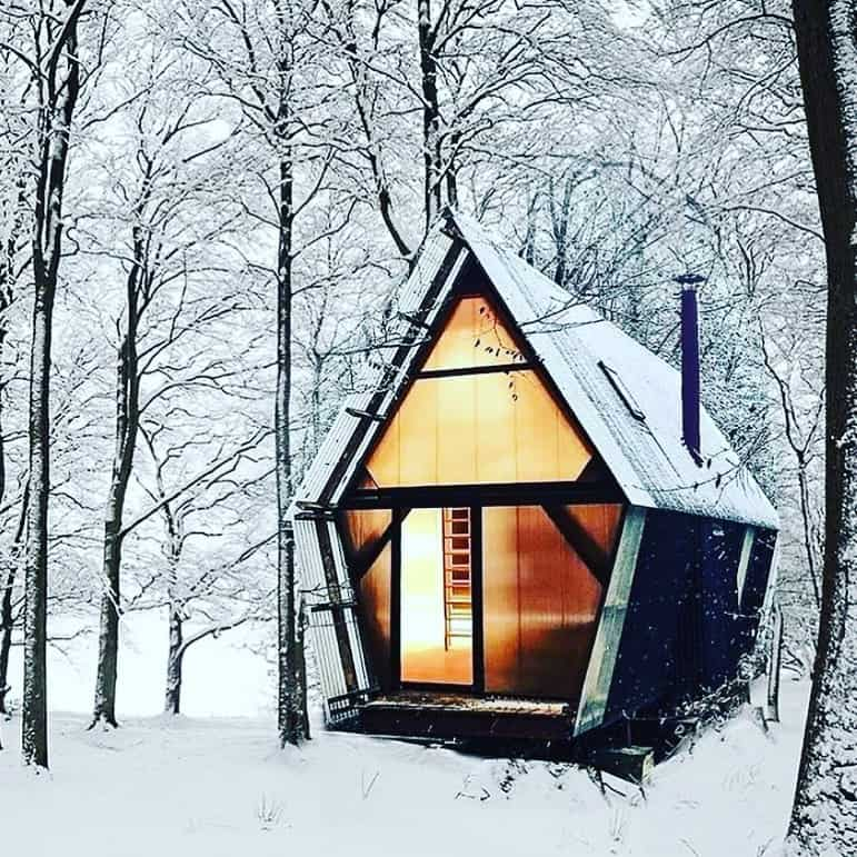 tiny house for outdoorsmen in harsh winter