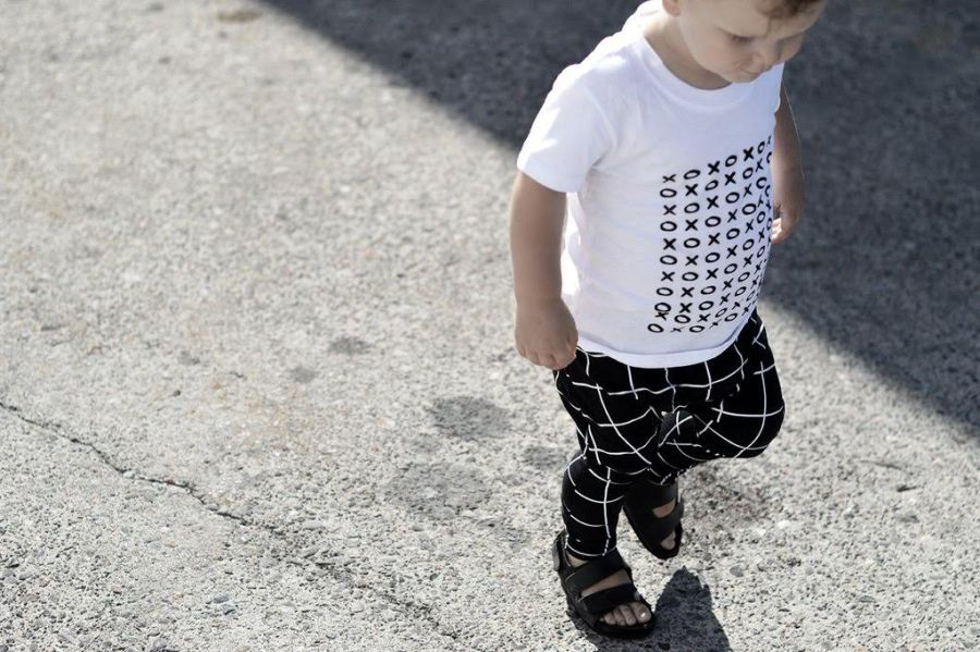 XOXO modern toddler graphic tee, for the monochrome lovers!