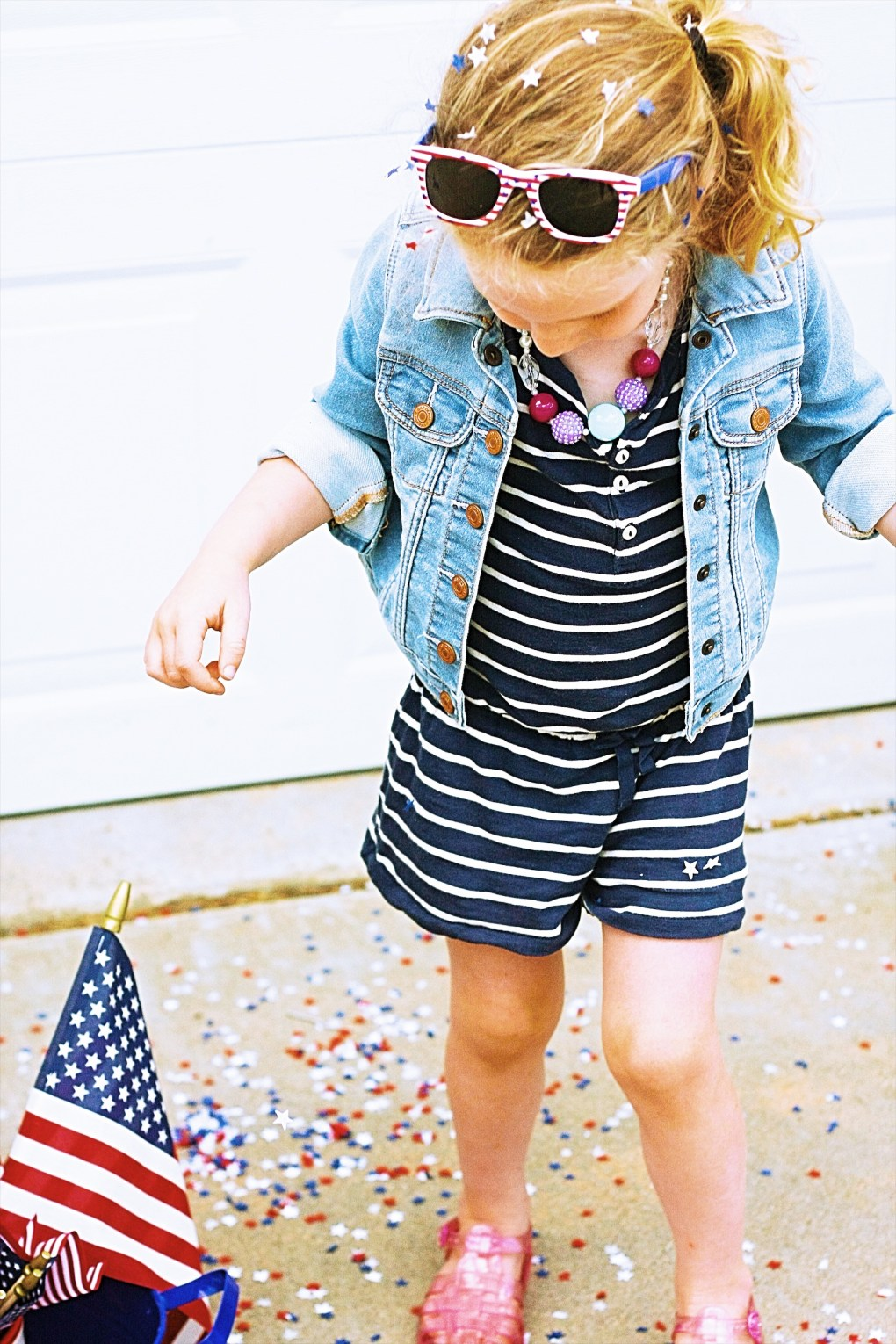 Mae-Henry-Hands Fourth of July || Toddler Style