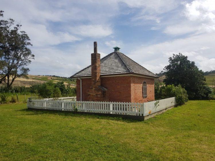 Te Araroa Trail Dacre Cottage, Okura Bush walkway