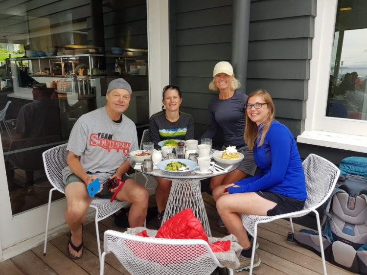 Te Araroa Trail Day 28 - Bruce, Red, Anouck and I enjoy a wonderful breakfast at the Takapuna Beach Cafe