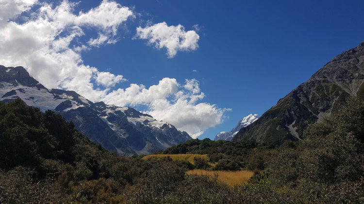 Starting the Hooker Valley Track