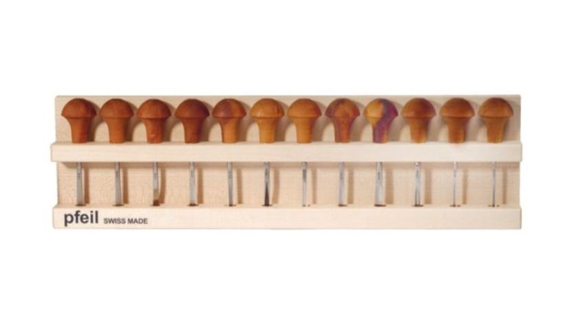 Pfeil set of 12 linoleum and block cutters