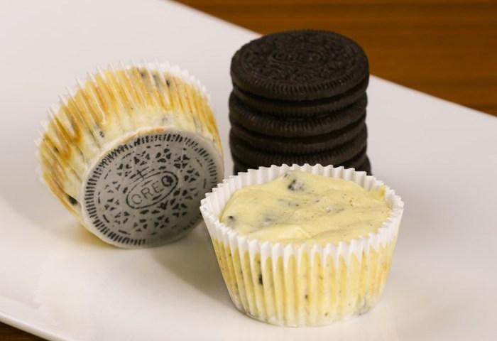 Mini Oreo Cheesecake Cupcakes Recipe With Video Tipbuzz