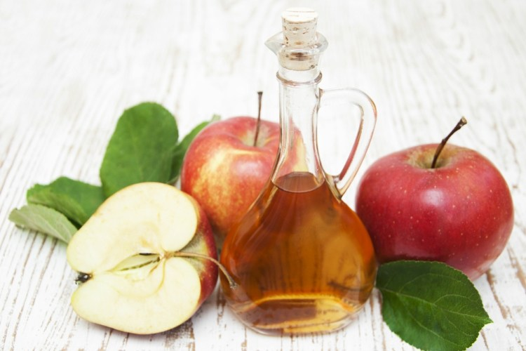 Apple cider vinegar can help treat arthritis pain