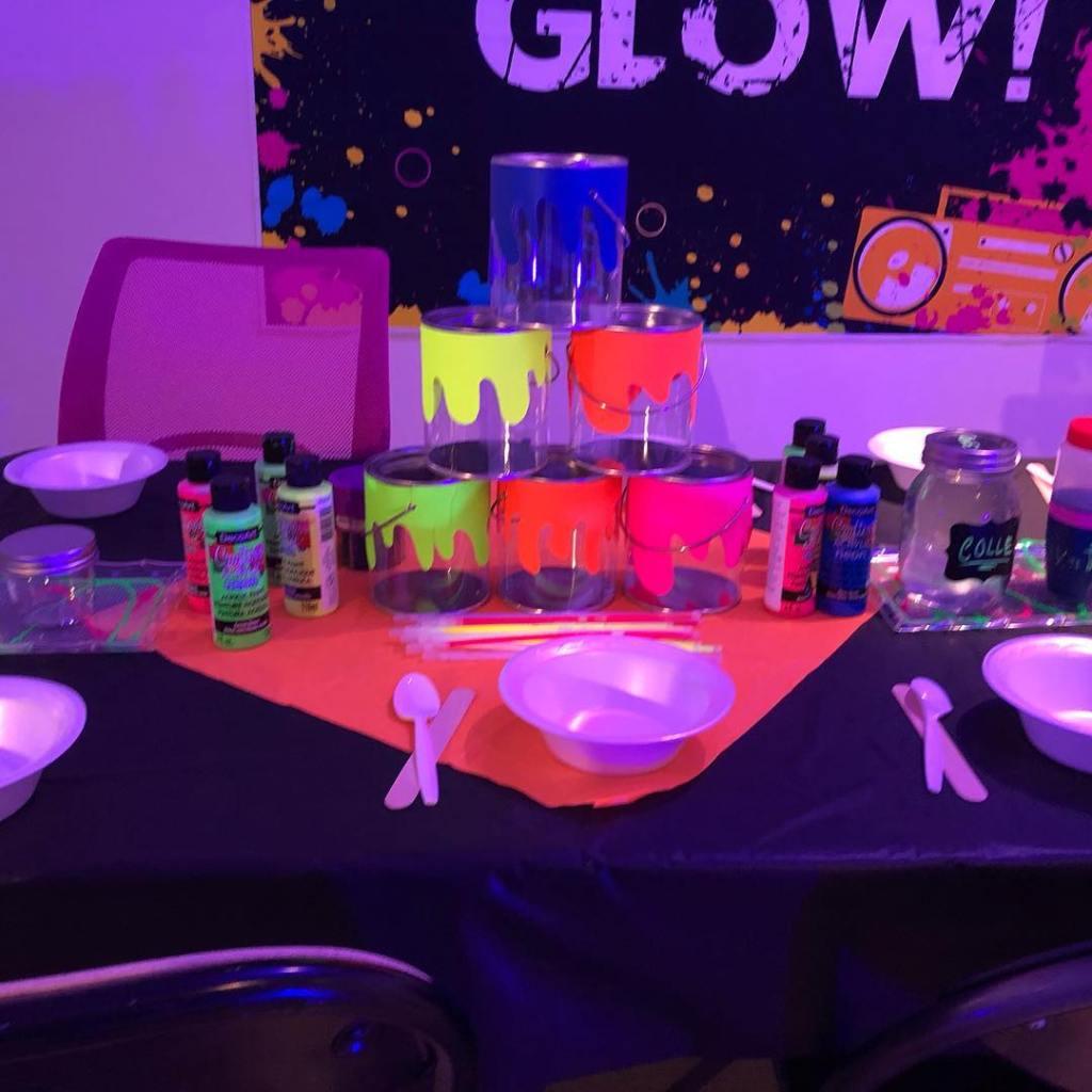 fête d'enfant Neon - tipi en fete