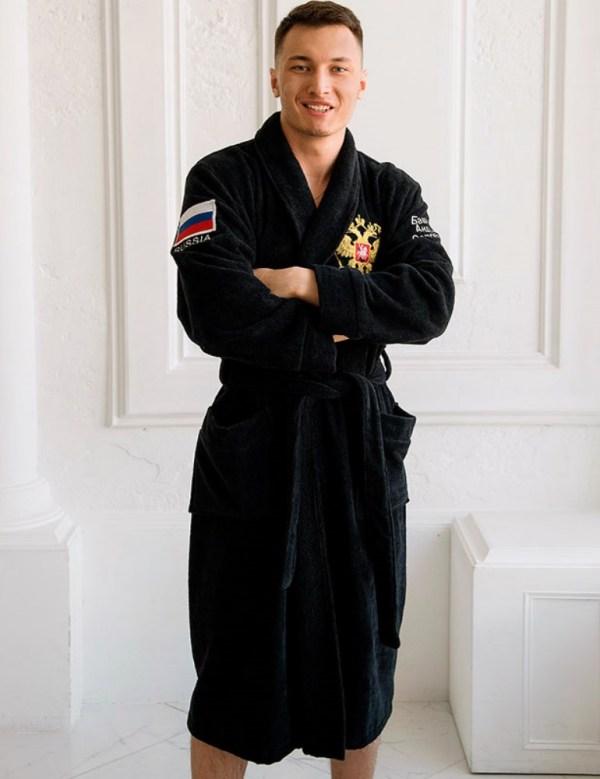 Махровый халат с вышивкой Черный