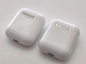 TWS i80 von Ebay Test und Vergleich mit Apple Airpods vorn
