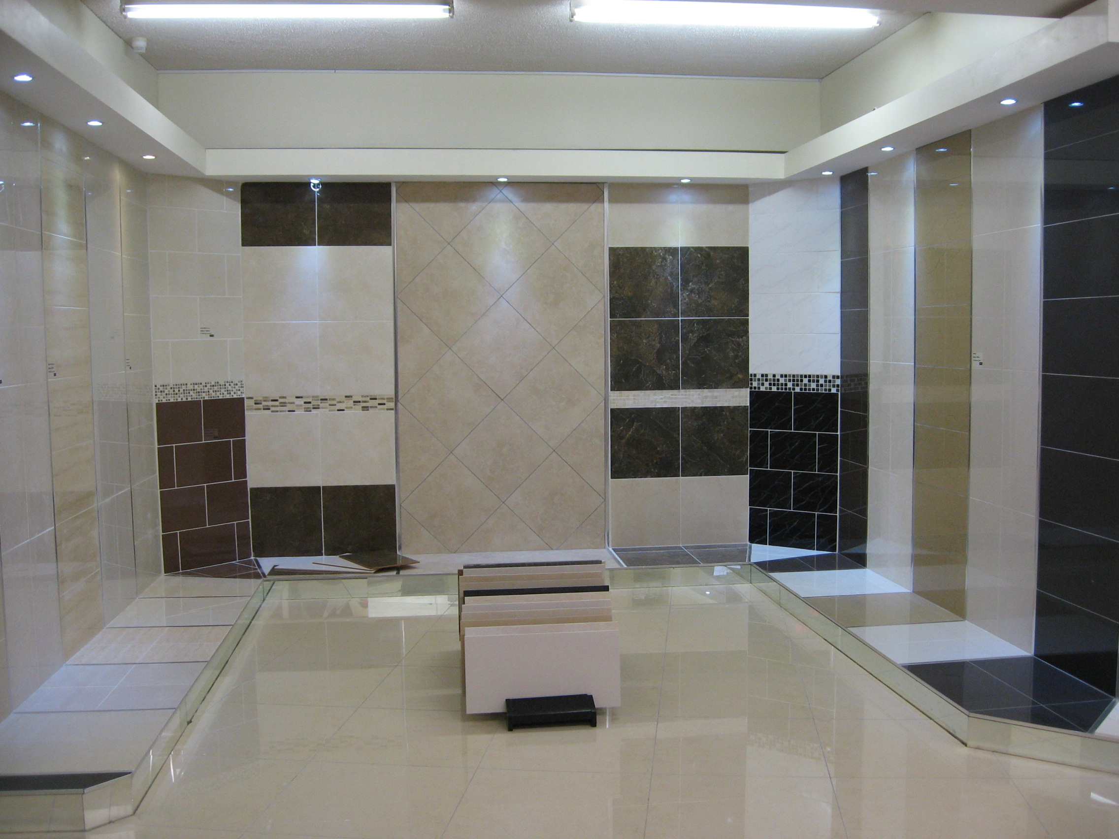 savvy tiles opens new tile showroom in thurles tipp