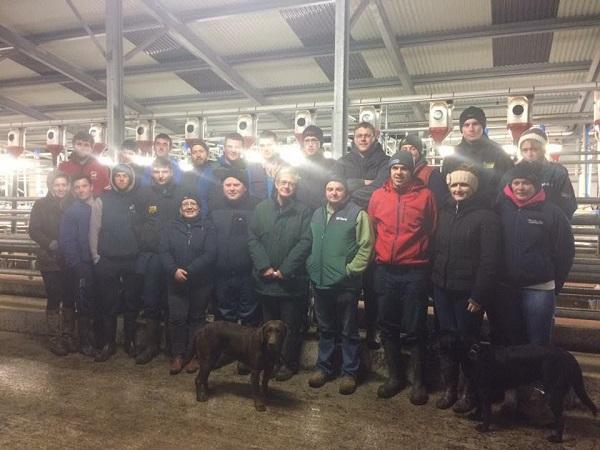 Members of Devilsbit Macra na Feirme attending a Dairy Farm Walk in Laois hosted by Jim, Grainne & Jonathon Dwyer.