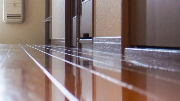 玄関掃除に使用する洗剤と運気を上げる掃除の方法をご紹介します
