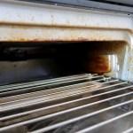 グリルの掃除をラクにするための片栗粉の上手な使い方を解説