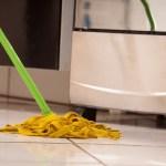 ワックスを床からはがす方法!剥離作業で仕上がりが変わります