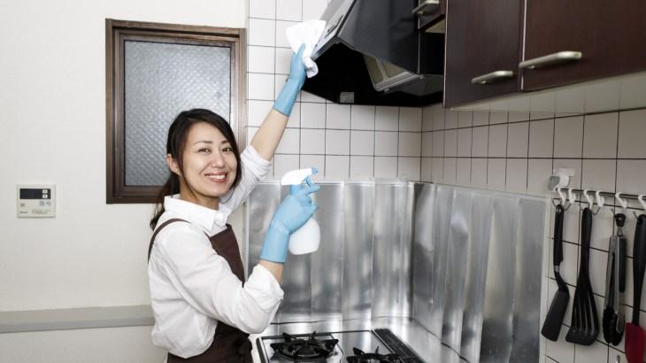 台所の棚に収納するときはこの方法なら簡単で使いやすい