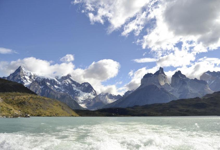 Lago Pehoé all'interno del Parco Torres del Paine