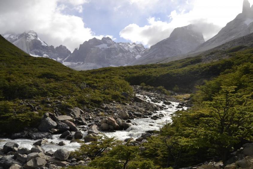 """Valle del Frances al trekking """"W"""" nel Parco Nazionale Torres del Paine in Cile"""