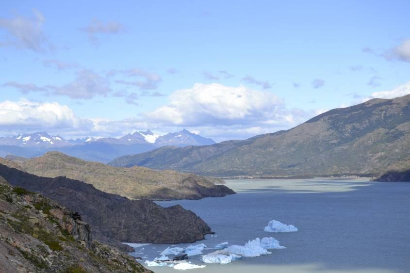 "Lago Grey al trekking ""W"" nel Parco Nazionale Torres del Paine in Cile"