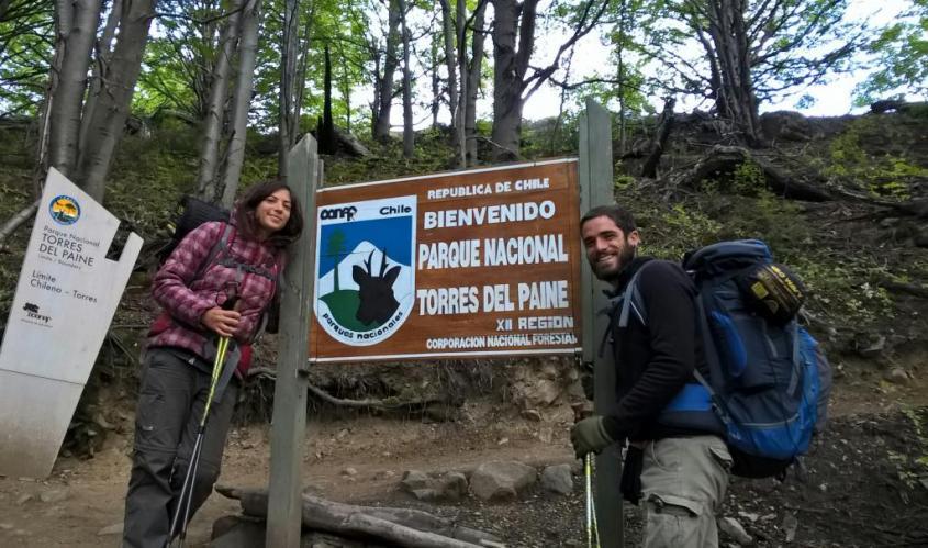 Cartello del trekking Parco Torres del Paine in Cile